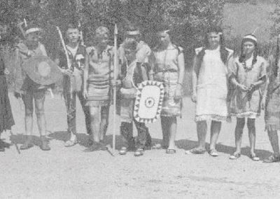 Festzug anlässlich des 40jährigen Jubiläums des MCWs am 07.07.1967 - Jungschar mit Schwester Paula
