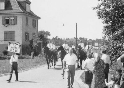Festzug anlässlich des 40jährigen Jubiläums des MCWs am 07.07.1963 - Reiter am Zuganfang